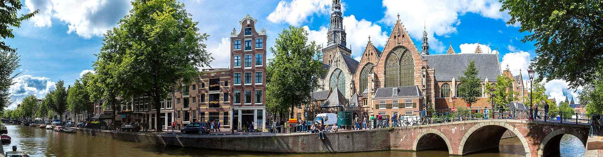 Amsterdam - Campamentos cerca a Oude Kerk. Mapas de Amsterdam, Fotos y comentarios de cada Campamento en Amsterdam.