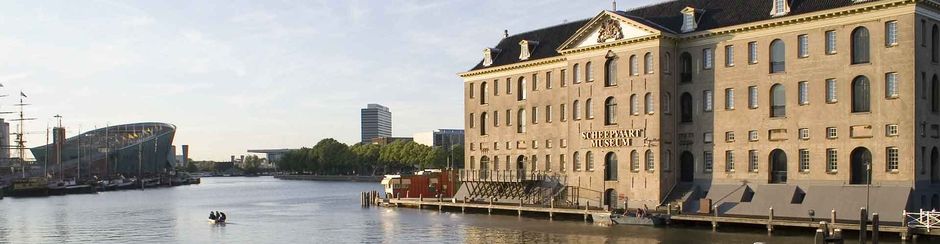 Amsterdam - Habitaciones cerca a Scheepvaartmuseum. Mapas de Amsterdam, Fotos y comentarios de cada Habitación en Amsterdam.
