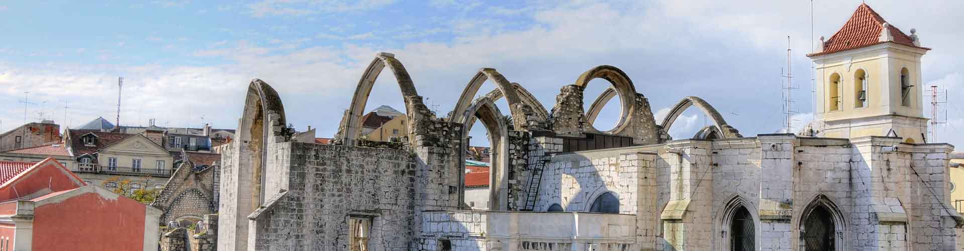 Lisboa - Campamentos cerca a Convento do Carmo. Mapas de Lisboa, Fotos y comentarios de cada Campamento en Lisboa.