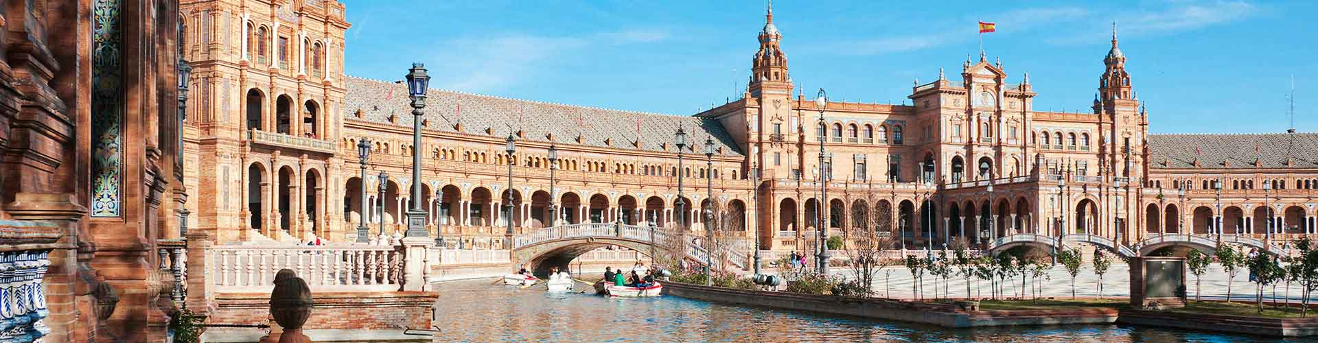 Sevilla - Campamentos cerca a Plaza de Toros. Mapas de Sevilla, Fotos y comentarios de cada Campamento en Sevilla.